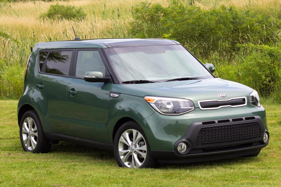 kia soul named one of best family cars of 2015 by kbb. Black Bedroom Furniture Sets. Home Design Ideas