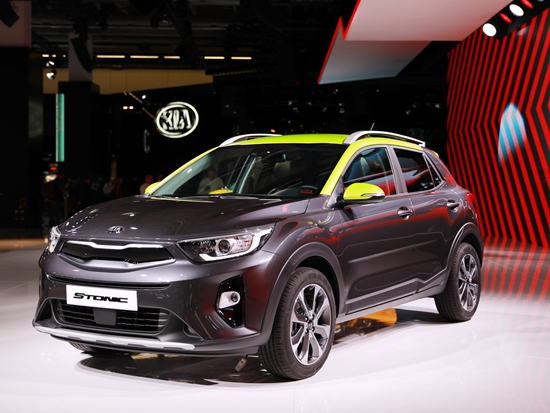 kia stonic the rise of the compact crossover ancira kia news. Black Bedroom Furniture Sets. Home Design Ideas